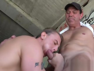 skater Young congest skater barebacked by hung grandpa outdoors hunk